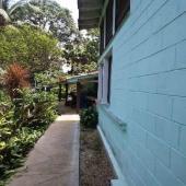 Vendo casa muy amplia de dos plantas. y con excelente terreno